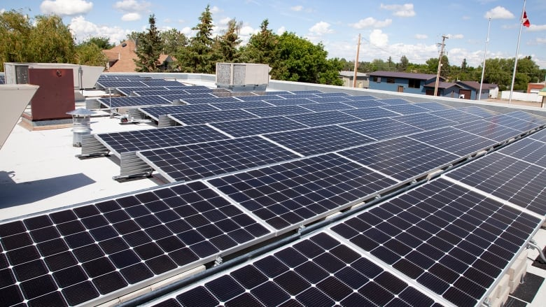 Alberta town aims to be first in Canada to rely solely on solar panels