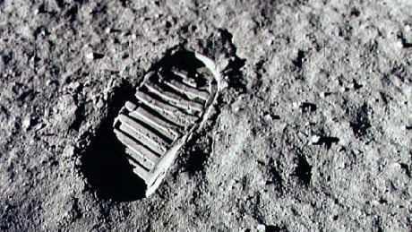 Footstep Apollo 11 moon