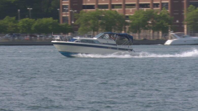 Windsor Port Authority extends Detroit River 30-metre wake