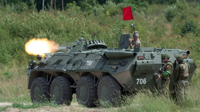Defence policy first, weapons later, Canada tells Ukraine