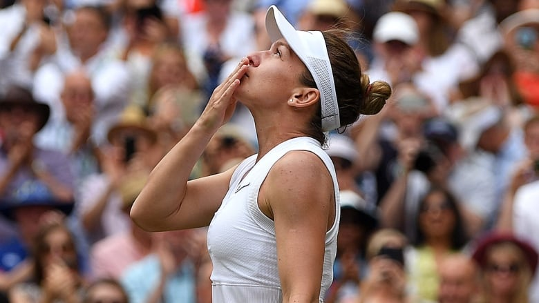 Near-perfect Simona Halep takes Wimbledon final in 56 minutes