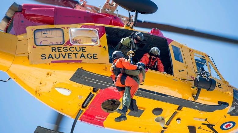 Search for helicopter carrying missing Quebec businessman, son enters 3rd day