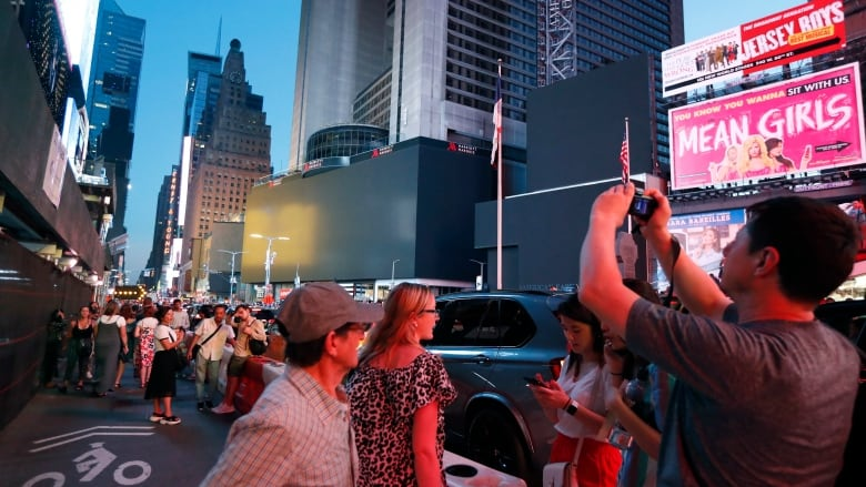 Power outages leave parts of New York's Manhattan in the dark