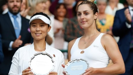 Gabriela Dabrowski's delayed doubles final ends in 66-minute loss