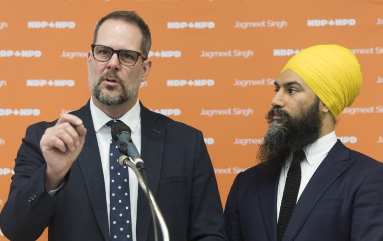 Jagmeet Singh tours Quebec in hopes of avoiding an NDP wipeout