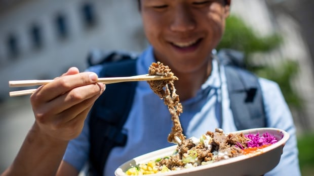 City paving way for food trucks, pop-up shops