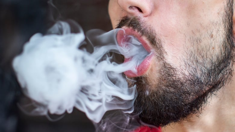 Ontario considering ban on flavoured vape products: health minister
