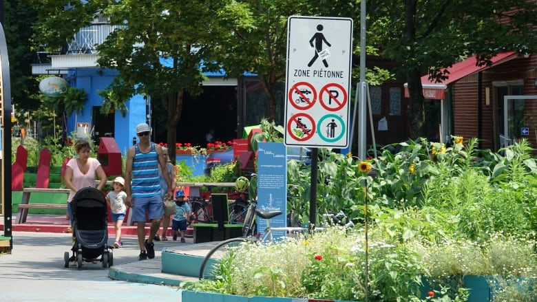 Montreal Becoming More Pedestrian Friendly One Car Free Zone At A
