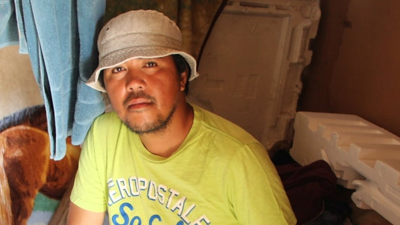 Homeless immigrant builds 'magnificent' Winnipeg shack after promise of better life in Canada falls through