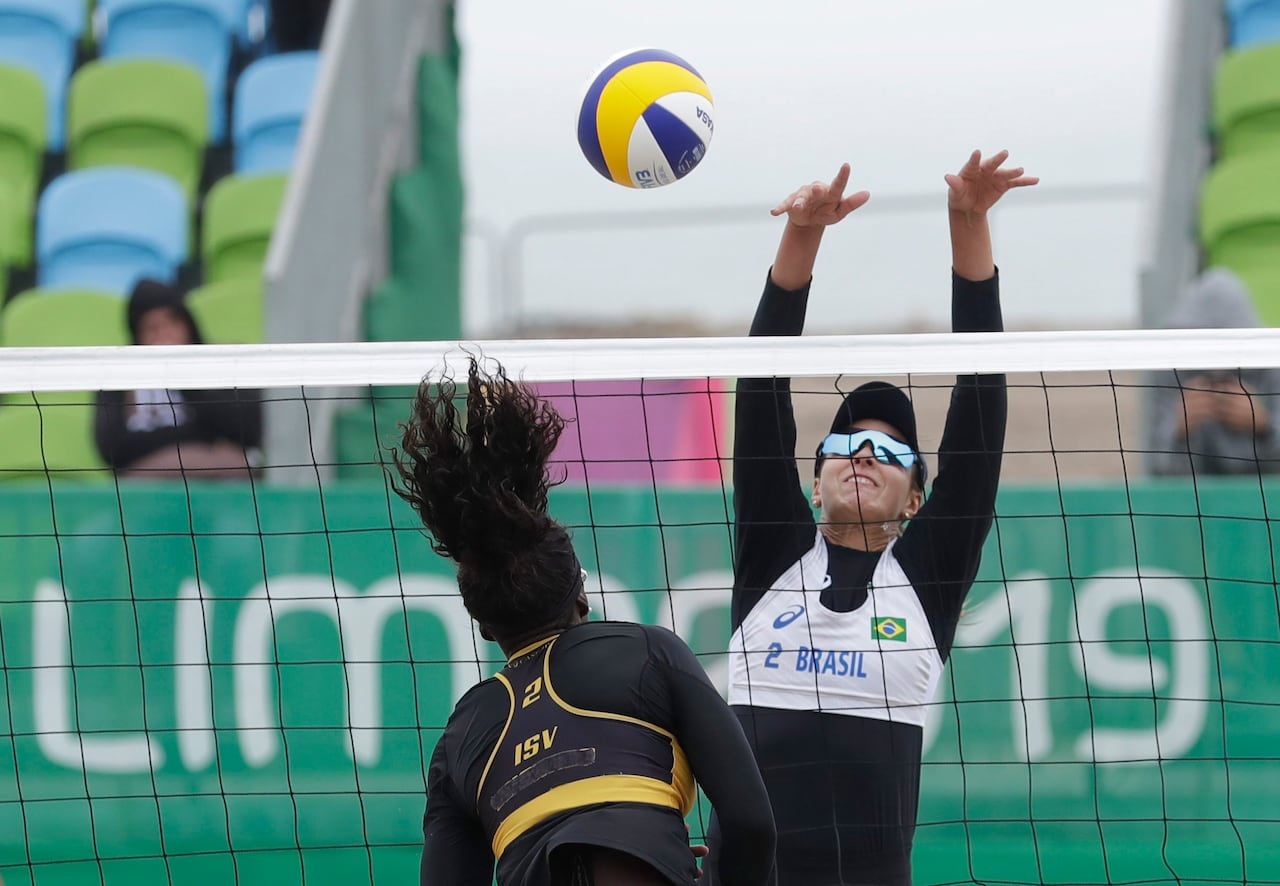 Canadian Beach Volleyball Teams Sweep Nicaragua As Pan Am Games Begin Cbc Sports