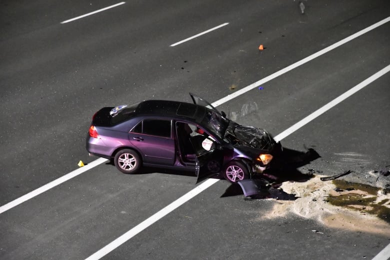 1 dead, 4 injured in Highway 407 crash in Whitby, OPP say