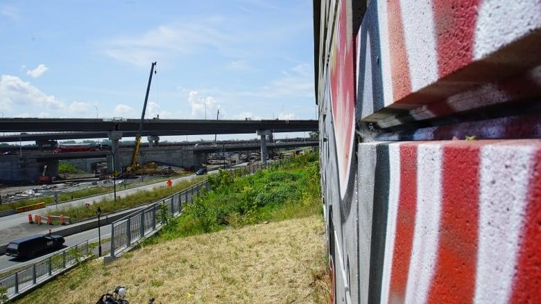 New Turcot Interchange already covered in graffiti, but