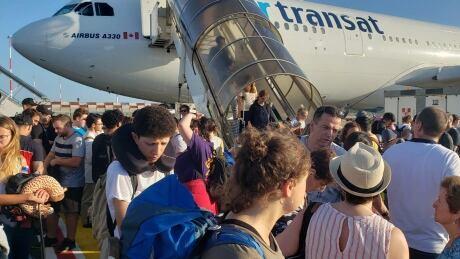 Air Transat plane tarmac delay