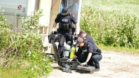 Underwater divers Gillam manhunt Kam McLeod B.C. homicides