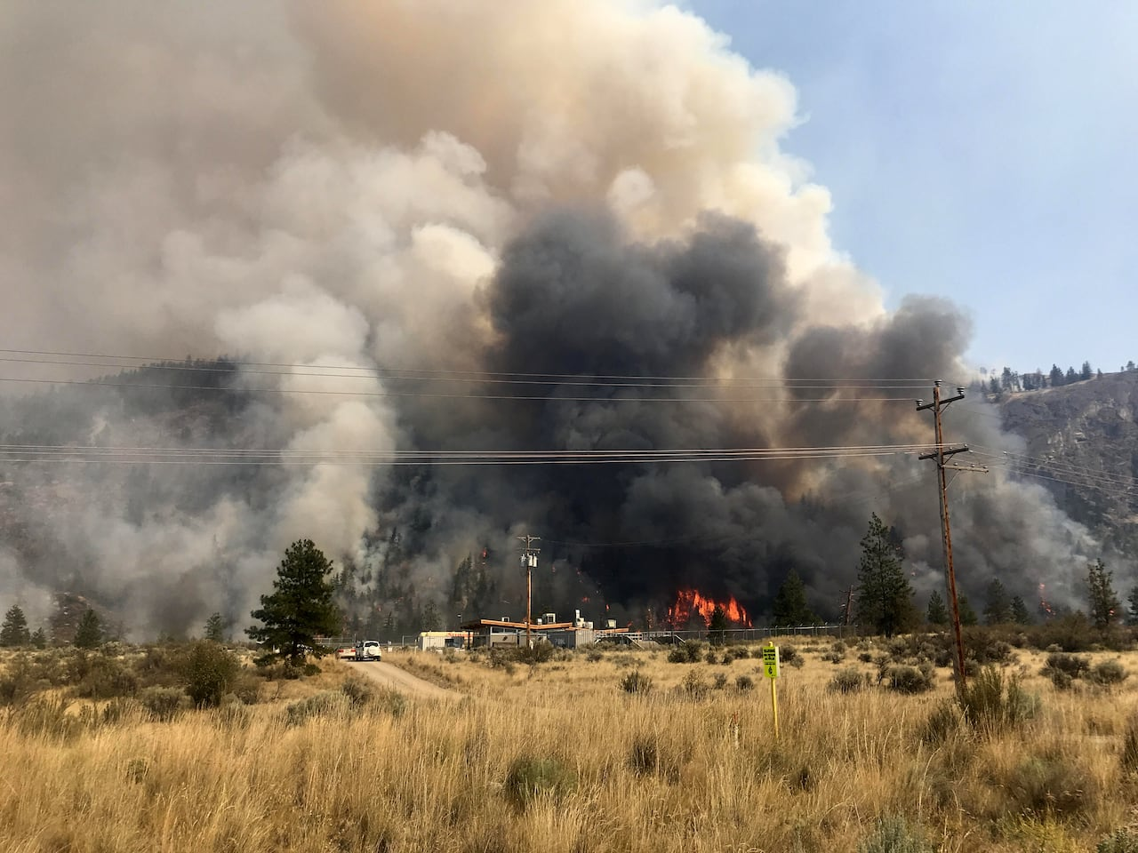 More controlled burning underway to fight Eagle Bluff wildfire