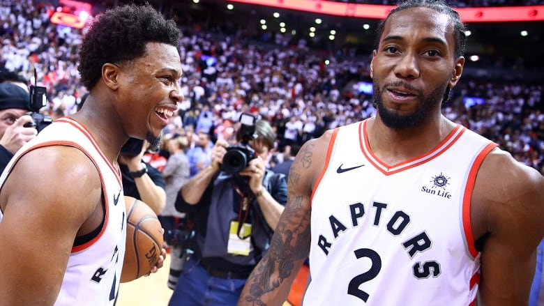 Christmas Day Nba Games 2019.Raptors Open 2019 20 Season Vs Pelicans Kawhi Returns Dec