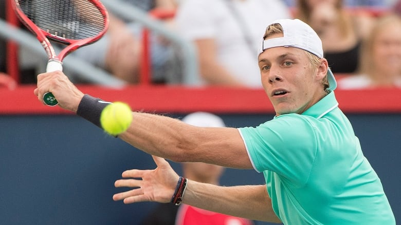 Shapovalov rebounds from early Rogers Cup exit to beat Joao Sousa in Cincinnati