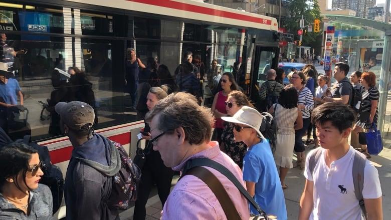2 fires disrupt morning rush on TTC Line 1