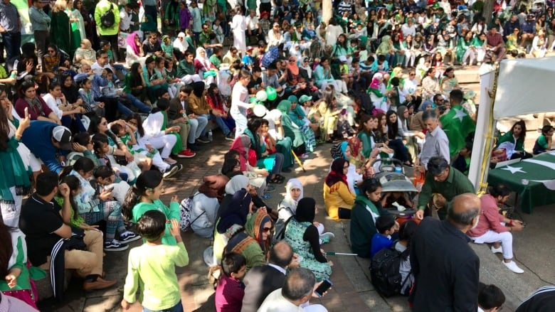 Pakistan Independence Day draws hundreds to downtown Calgary