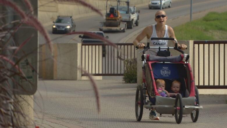 Edmonton runner hopes to set Guinness world record in half marathon