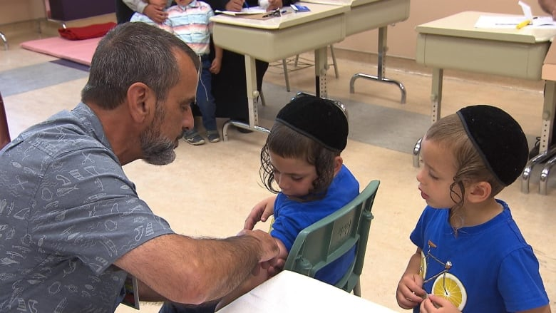 Measles clinic set up in Boisbriand after 5 cases reported in Hasidic community