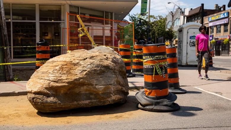 Brawl over 'beautiful' billion-year-old boulder rocks Bloor neighbourhood