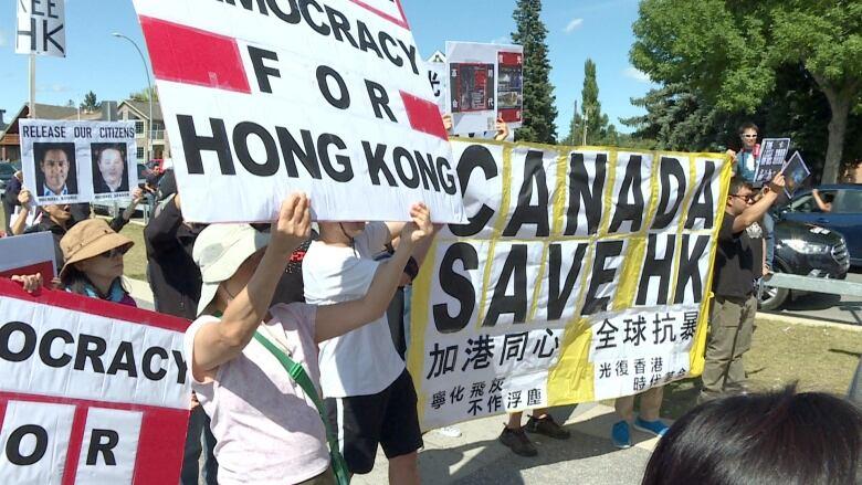 pro-hong-kong-protesters.jpg