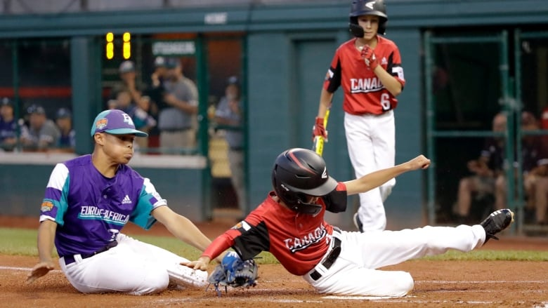 Canada's offence comes alive with emphatic victory over Italy at Little League World Series