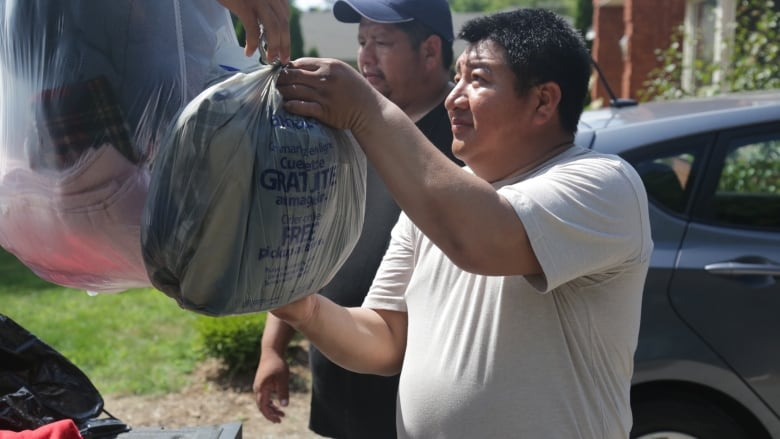 Community pulls together for migrant workers after fire at Niagara flower farm