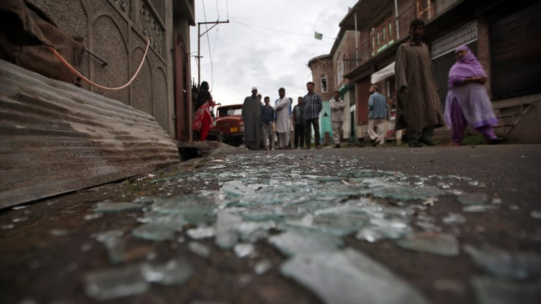 Thousands detained in Kashmir to contain unrest after India strips it of special status