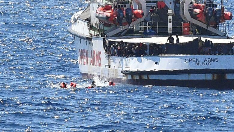 Italy to seize Spanish rescue ship, remove migrants