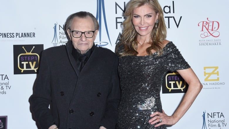 Larry King divorcing his 7th wife | CBC News
