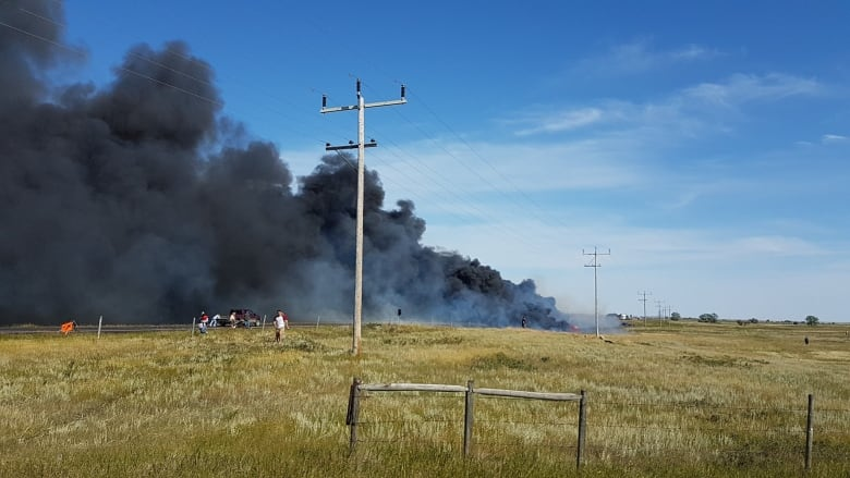 1 dead, 8 injured after fiery multi-vehicle collision with tanker truck in southeast Alberta