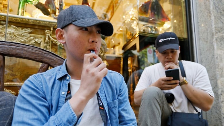Reported illnesses among vapers in U.S. reaches 150 possible cases