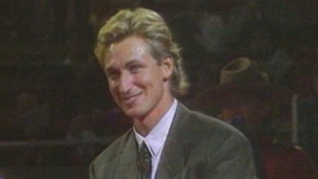Wayne Gretzky attending a statue-unveiling ceremony in Edmonton