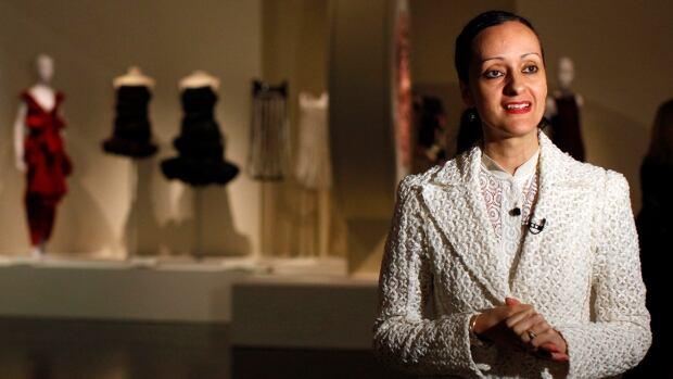 Fashion Designer Isabel Toledo Who Created Michelle Obama S Inauguration Dress Dead At 59 Cbc News