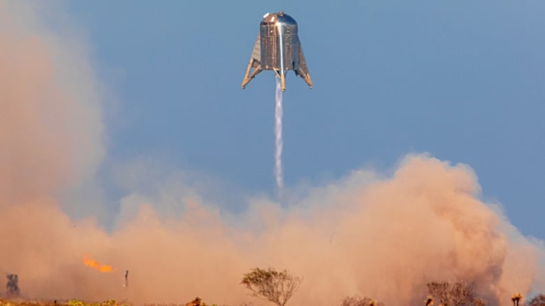 SpaceX successfully tests its planned Mars rocket