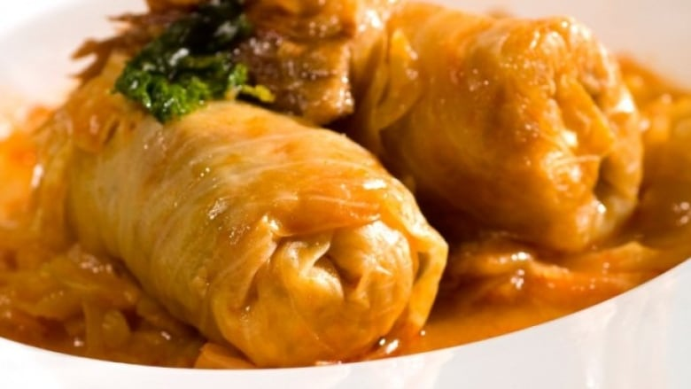Make your own Serbian cabbage rolls | CBC News
