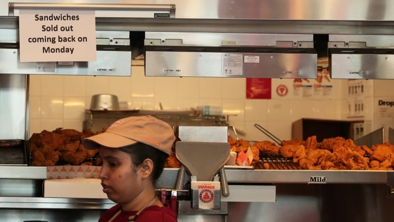 Man sues for Popeyes for running out of chicken sandwiches