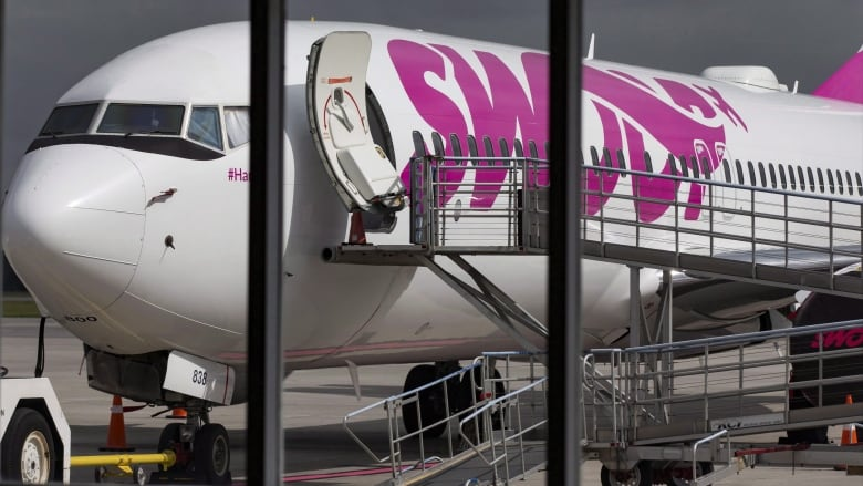 'A trip from hell:' Canadian passengers on Swoop flight to Hamilton 'stranded' in Mexico