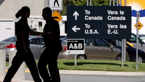 Alberta to pilot COVID-19 testing at border that could shorten quarantine time