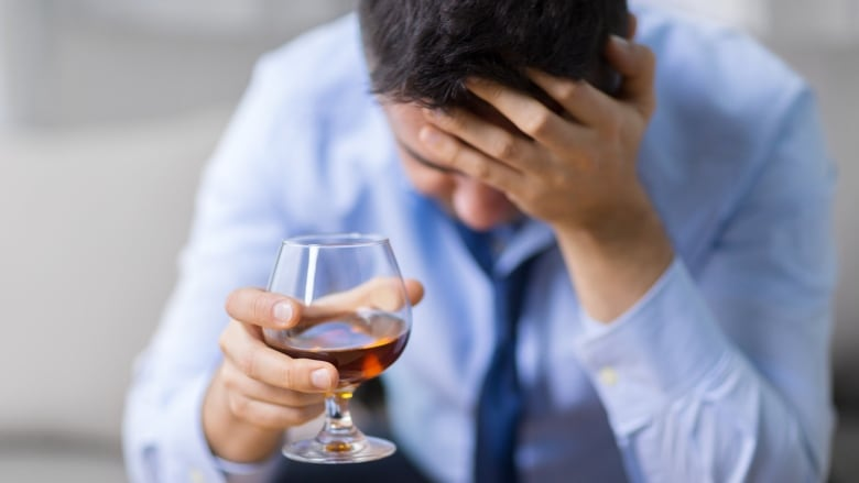 Family doctors key to spotting alcohol abuse, researchers say