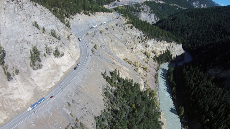 Closure of Trans-Canada Highway up to 15 weeks a year doesn't worry Golden and Radium mayors