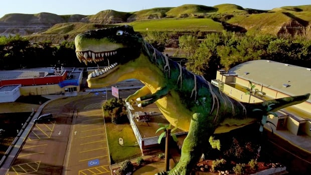 Drumheller's giant dinosaur is getting a $300,000 makeover
