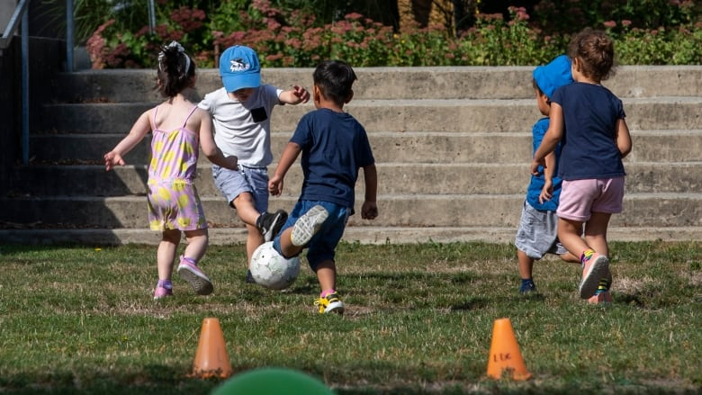 Parents, kids disgruntled about Vancouver schools' shortened recess