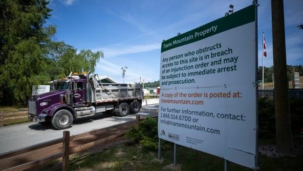 Trans Mountain pipeline shuts down as crews clean spill in Abbotsford, B.C.
