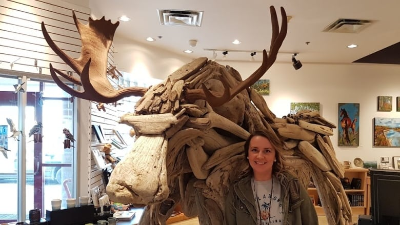 How a driftwood moose named after a country music star helped raise thousands for arts in northern B.C.