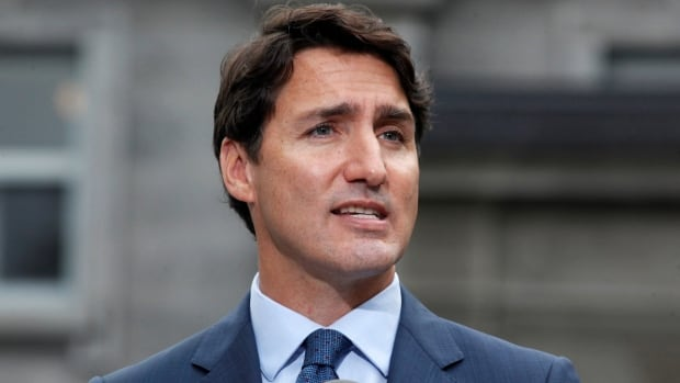 Liberals pledge to boost Canada Child Benefit, extend leave for adoptive parents