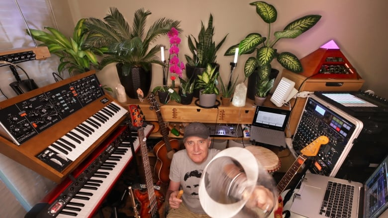 Man On A Mission To Show His Houseplants Can Jam Together Cbc Radio