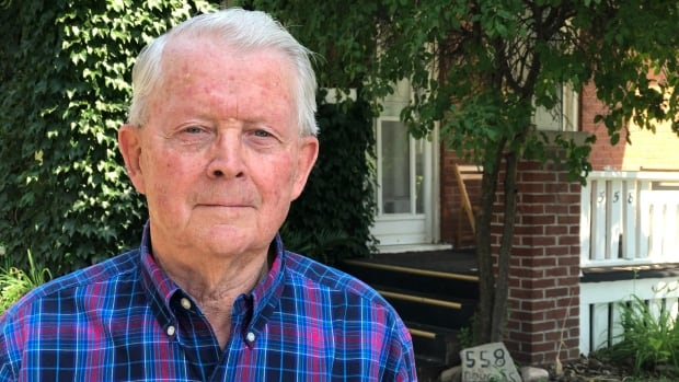 GE removes asbestos from Peterborough, Ont., homes — after denying it ever sold the scrap | CBC News